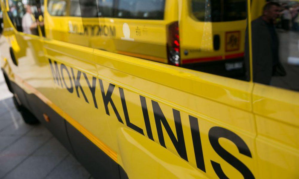 nauju-mokykliniu-autobusiuku-perdavimo-mokykloms-svente-5b87cc2716cf1